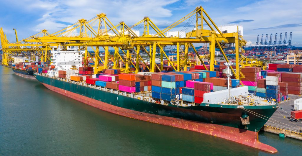 EU registra un déficit comercial de 86.4 mil mdd durante julio
