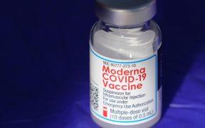 continua-produccion-vacuna-moderna-covid-pese-investigacion-contaminantes-metalicos