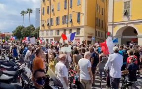 Miles protestan en Francia y Alemania contra certificado sanitario y restricciones por Covid