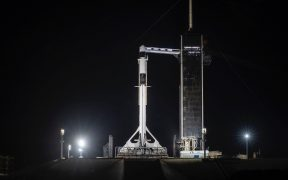 El mal tiempo obliga a aplazar el lanzamiento de carga de SpaceX a la EEI