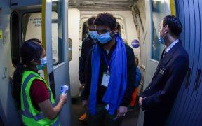 México recibe a otro grupo de 86 refugiados afganos, informa SRE