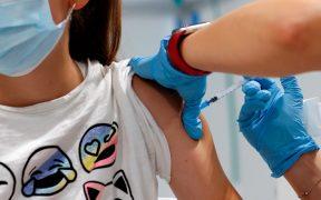 Efectos secundarios de la vacuna de Pfizer contra Covid en adolescentes de alto riesgo son leves