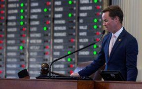 Congreso de Texas envía al gobernador Abbott proyecto republicano de ley de votación