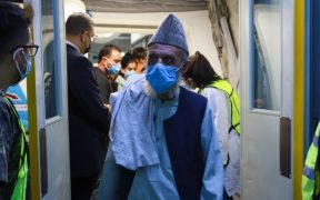 Llegan a México 175 refugiados afganos, entre ellos periodistas y activistas