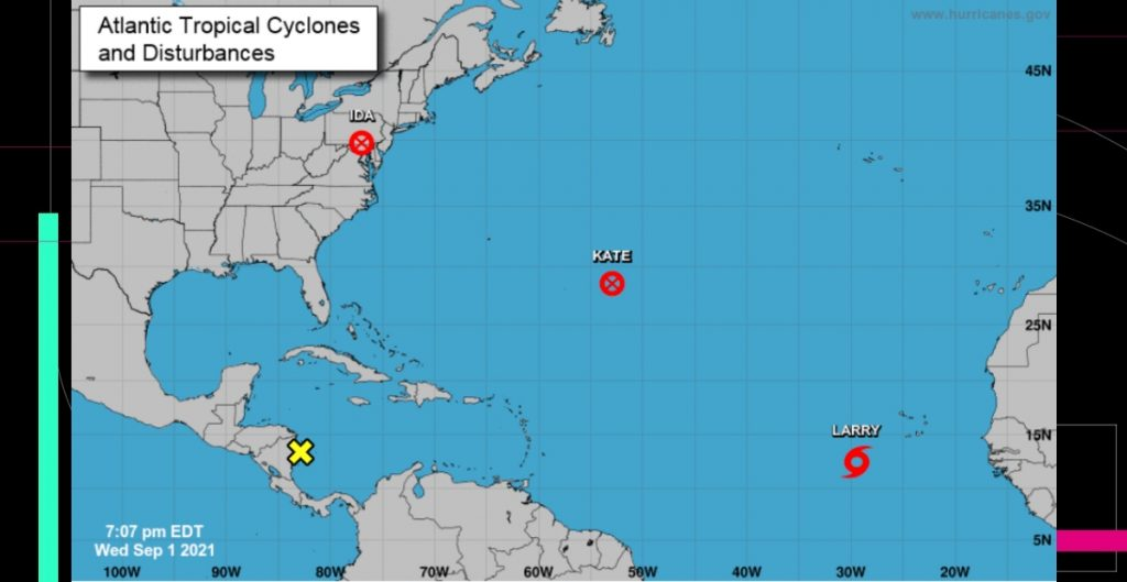 Tormenta Larry se fortalece y puede que se convierta en huracán esta noche