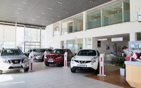 Las ventas automotrices de agosto están 25% abajo del nivel prepandémico, según cifras de Inegi