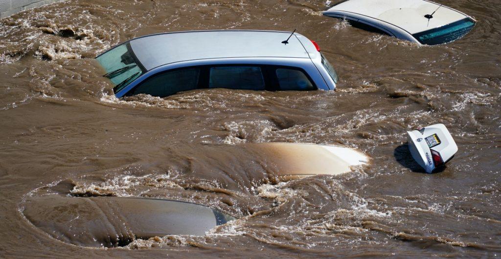 El papa lamenta las muertes y los daños tras el paso del huracán Ida en EU
