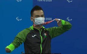 Ángel de Jesús Camacho celebra con su medalla de bronce. (Foto: Conade).