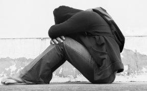 Adolescentes afroamericanos y latinos en EU, con tasas de desempleo superiores al 15% en agosto