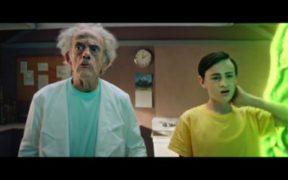 Christopher Lloyd se convierte en Rick en video promocional de 'Rick and Morty'