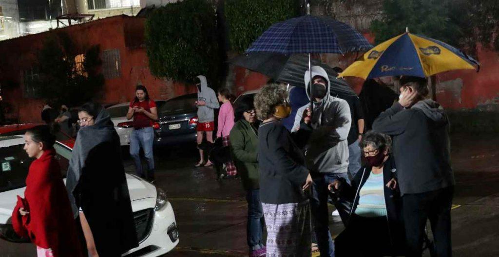 Sismo en Guerrero dejó sin luz a más de 1.6 millones de usuarios en cinco estados; CFE restablece servicio a 24%