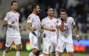 Ferrán Torres celebró así el 0-2 de España en Kosovo. (Foto: EFE).