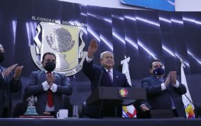 Víctor Castro rinde protesta como gobernador de Baja California Sur