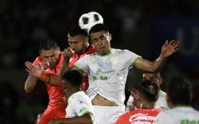 El juego aéreo fue la clave y ahí se impuso FC Juárez. (Foto: Mexsport).