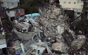 Hallan indicios de posibles restos humanos en zona de derrumbe del cerro del Chiquihuite