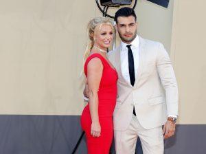 Britney Spears anuncia que está comprometida con Sam Asghari