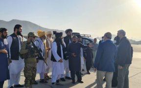 Alto comisionado de la ONU para los refugiados se reúne con ministro del nuevo gobierno talibán
