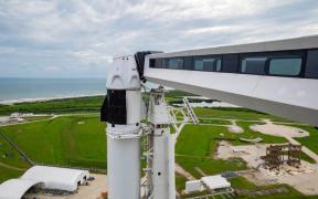 Retrasan 24 horas el lanzamiento de la primera misión espacial tripulada por civiles