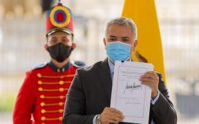 Iván Duque sanciona la nueva reforma tributaria aprobada tras protestas
