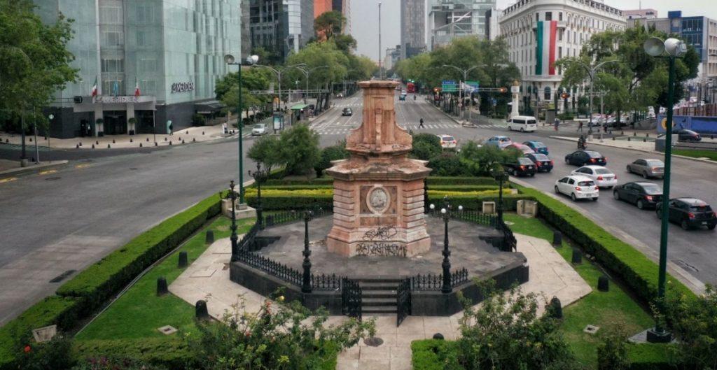 gobierno-cdmx-busca-descolonizar-paseo-reforma-recibe-firmas-representantes-indigenas