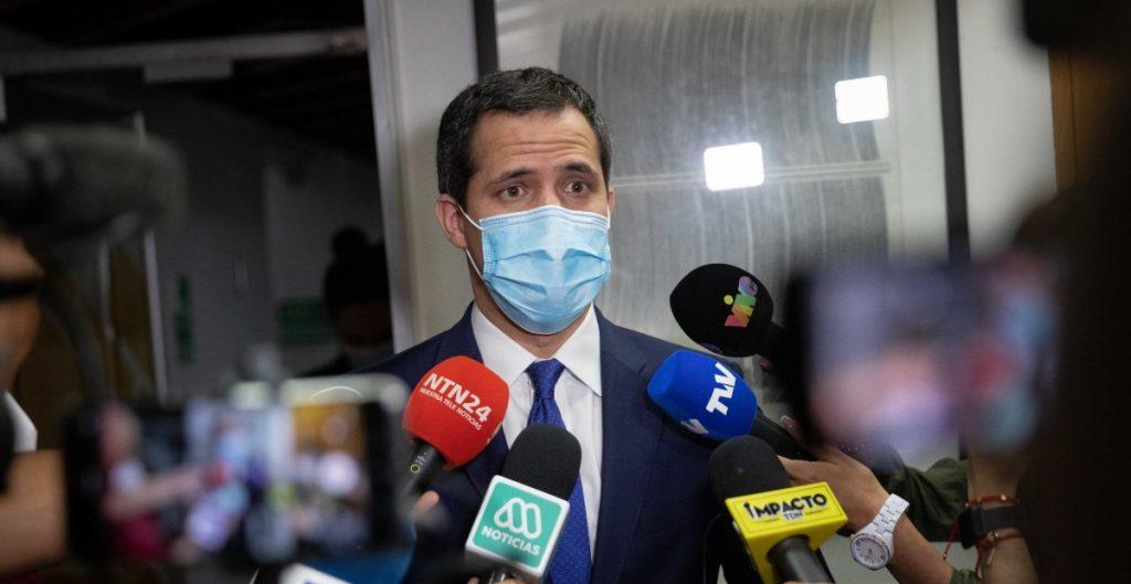 Fiscalía de Venezuela investiga a opositor Juan Guaidó por hurto de activos y otros delitos