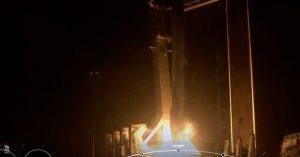 Cápsula de SpaceX despega de EU con la primera misión de civiles al espacio