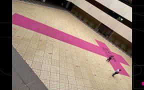Pintan enorme cruz rosa en Culiacán en protesta por feminicidios en Sinaloa
