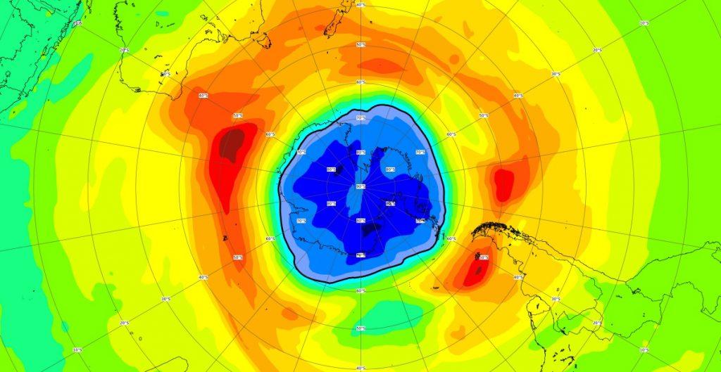 """Científicos advierten que agujero en capa de ozono sobre Antártida es """"más grande de lo habitual"""""""