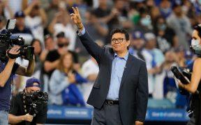 Valenzuela, durante el homenaje de los Dodgers. (Foto: @fotowkb).