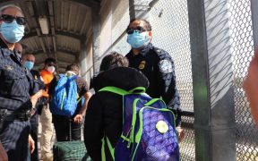 Juez de EU prohíbe expulsar a familias migrantes sin dejarles pedir asilo