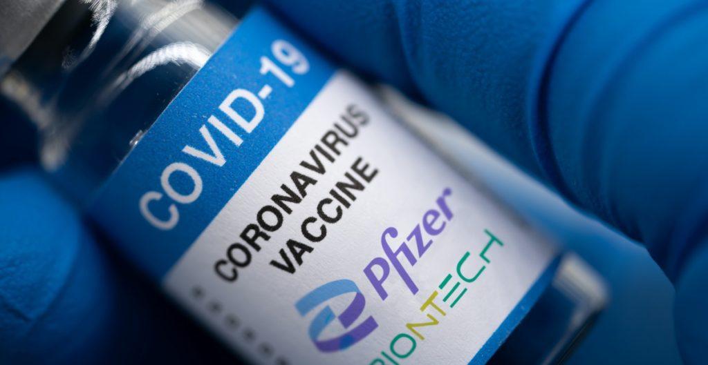 Gran Bretaña probará esquemas mixtos de dosis de vacuna contra la Covid-19 en niños