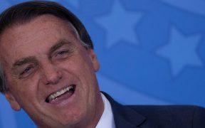 Bolsonaro dice que Dios lo puso en la presidencia y solo él puede quitársela