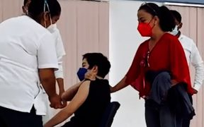 Los 18 menores de Oaxaca que desafiaron a López-Gatell fueron vacunados hoy