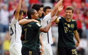Lewandowski celebra con sus compañeros en la goleada al Bochum. (Foto: Reuters).