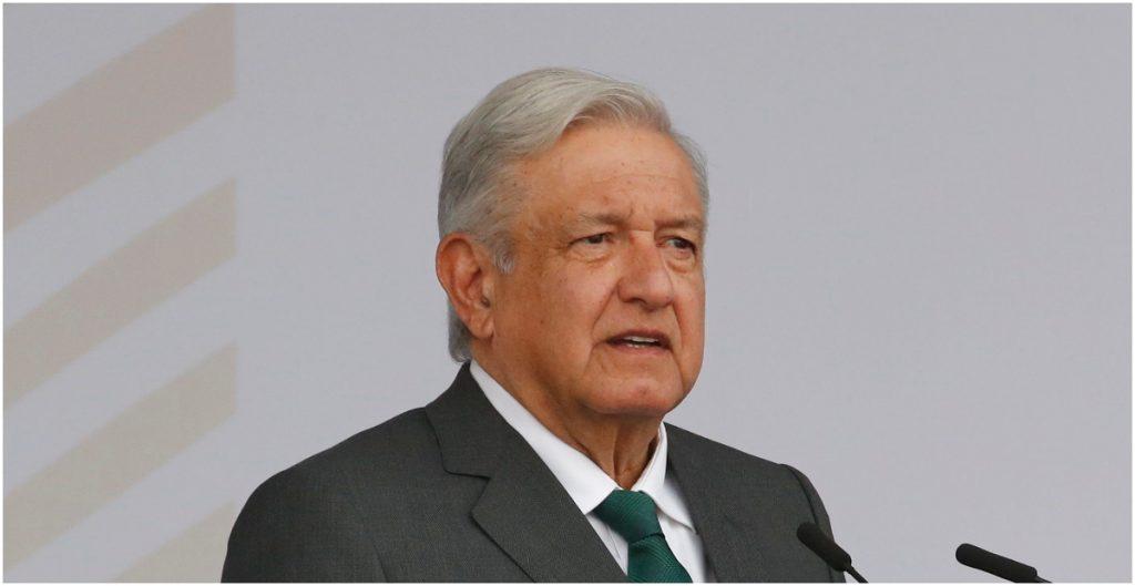 Grupo de venezolanos exiliados declara persona non grata a AMLO por su apoyo a Maduro y Díaz-Canel