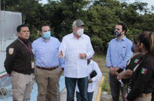 Ken Salazar se reúne con el INM para tratar crisis migratoria