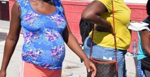 La travesía de las haitianas embarazadas para ver nacer a sus hijos en EU