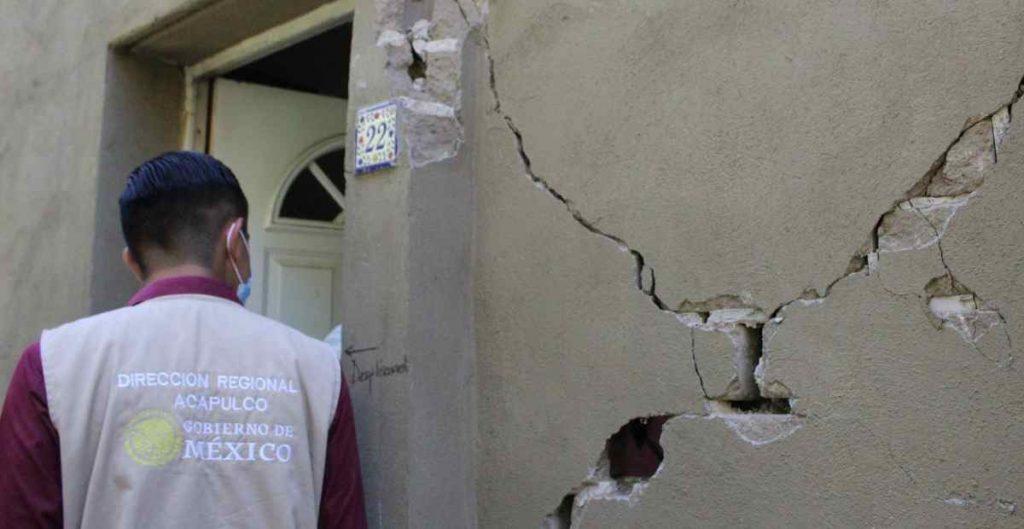 Acusan favoritismo y exclusión de servidores de la nación encargados del censo a damnificados por sismo en Guerrero