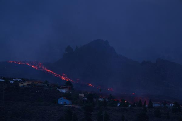 Lava del volcán de La Palma, en España, destruye 166 viviendas en 103 hectáreas