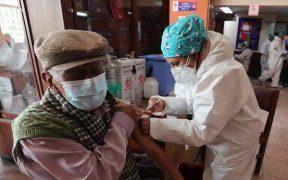 Bolivia logra cobertura total de la población vacunable; acumula 14 semanas de baja en contagios de Covid-19