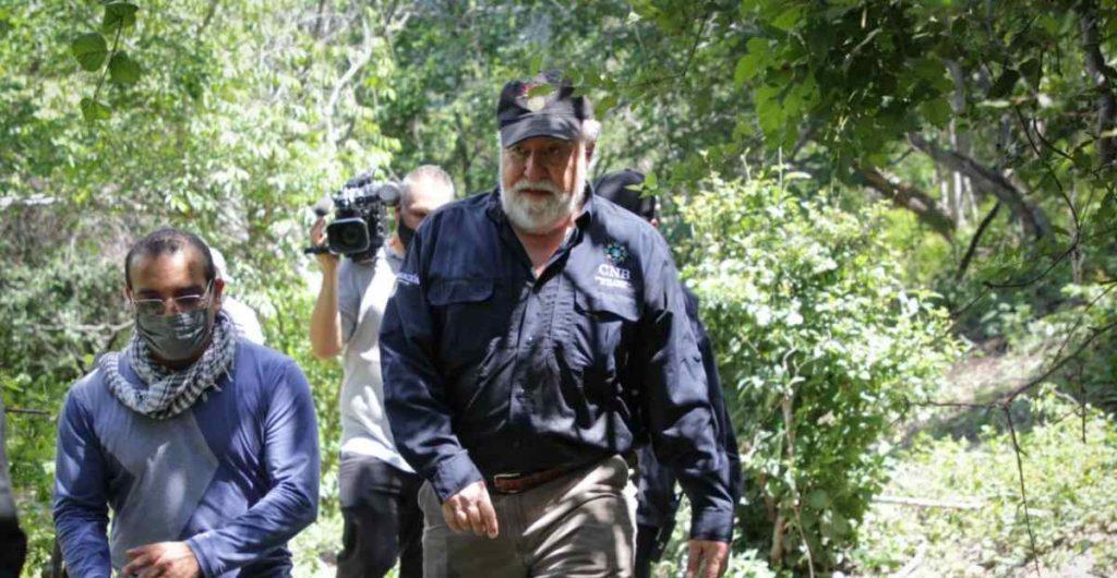"""Nuevos hallazgos de restos humanos abren una versión distinta a la """"verdad histórica"""" del caso Ayotzinapa"""