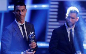 Cristiano Ronaldo y Messi llevan su rivalidad más allá de la cancha. (Foto: Reuters).
