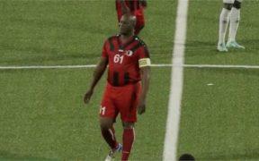 Ronnie Brunswijk, en el partido ante Olimpia. (Captura de video).