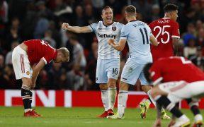 Los jugadores del West Ham celebran su triunfo en Old Trafford. (Foto: Reuters).