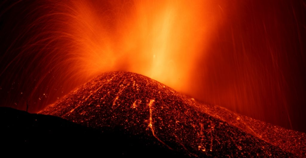 disminuye-velocidad-avance-lava-isla-las-palmas