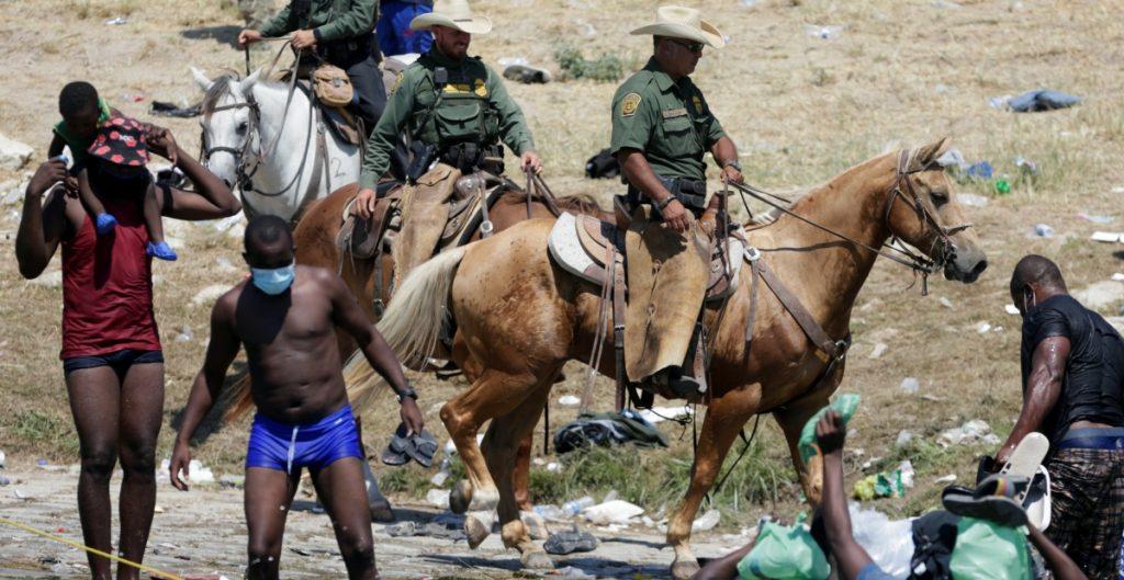 migrantes-haiti-caballo-patrulla-reuters