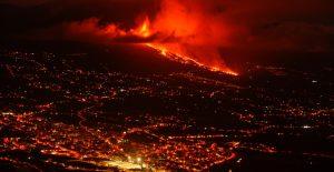 Erupción del volcán en isla de la Palma continúa con fases explosivas y arrasa 240 hectáreas