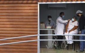 El Salvador anuncia tercera dosis de vacuna contra Covid-19 a personal de primera línea