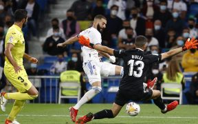 Benzema se estrelló con Rulli una y otra vez. (Foto: Reuters).