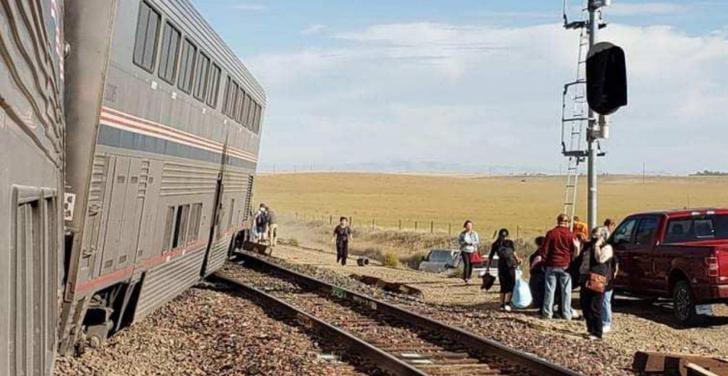 Reportan descarrilamiento de un tren en Montana; hay varios heridos